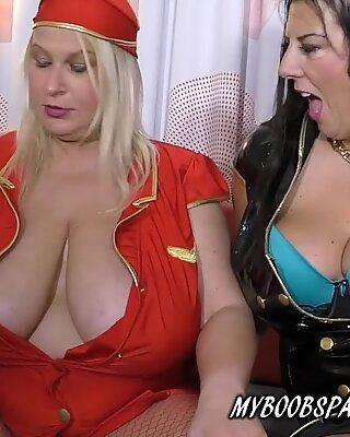 Mature huge tits lesbians Lulu and Sami