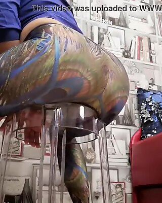 Ass in blue leggings worship from Barbaradream. That round, firm ass in leggings is gonna drive you crazy! You just have to admire it and masturbate.