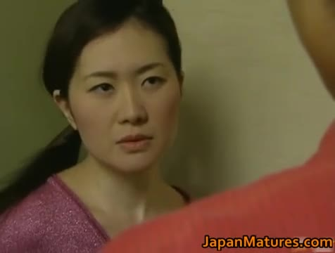 Japanese mature woman is a beauty