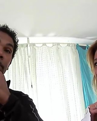 Slender mature hottie has her pussy pummeled
