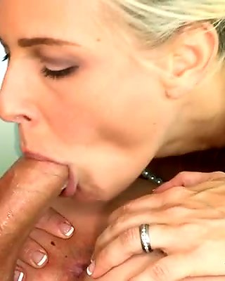 Sexy mum babe are having fun with a horny knob