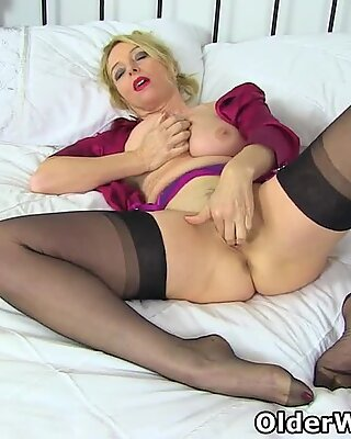 Office lady Lucy puts her fingers to work between her legs