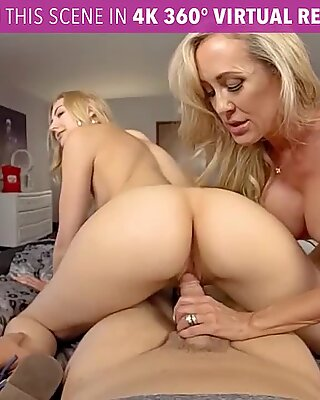 Vrbhangers.com - kurva ur potutelkyně a její krok-mamina vr porno