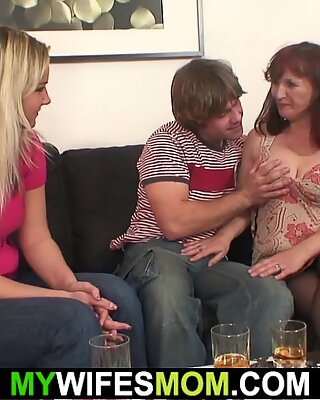 her hot milf gets her tight pussy fingered before small shaft screwing