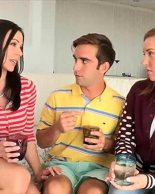 Bujné poprsí mamina Kendry Lust trojka sezení s teen párem