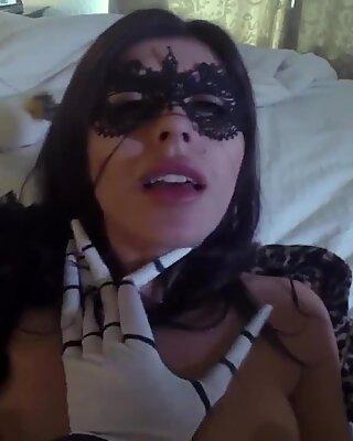 Секс бот мама ластовка забава