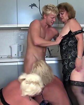 Tre mature scopate da un giovane
