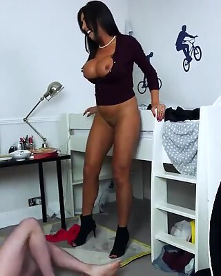 Mature garage blowjob Taking Control Of This Crazy Situation
