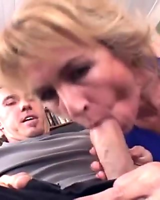 Amateur Mate Call On Diner Boy And Fuck Him - LostFucker