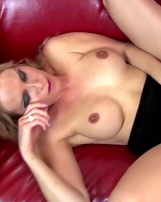 Табу секс са плавом мамом, а не њен син