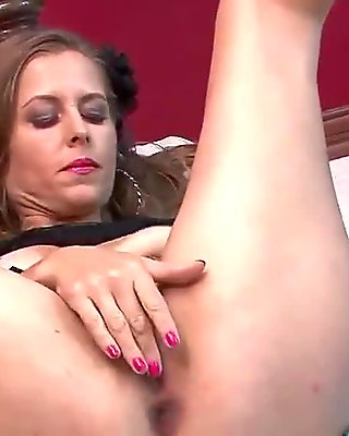 Miss Melrose Loves to Touch Her Mature Pussy