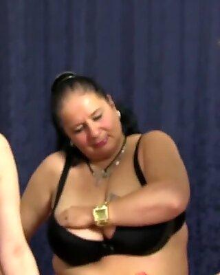 LetsDoeit - Tardona Lesbica Sex con calde nonnine Tedesco