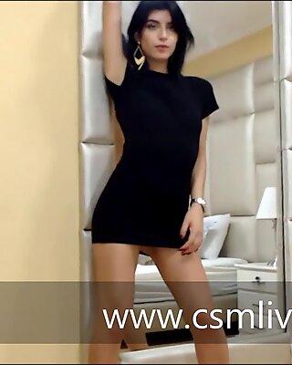 Tanta pasi&oacute_n me obliga a quedarme en tus pensamientos - TokyoLein modelo latina