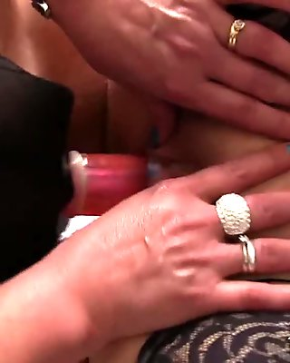 Old lesbian action in bed