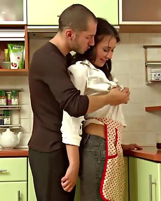 Older horny housewife gets her pussy movie