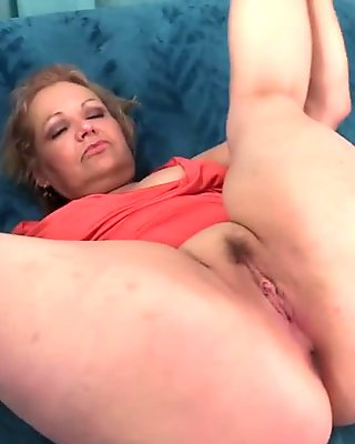 Kelly Leigh mature slut fuck young man