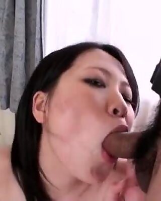 Yuu Sakura makes magic with her mouth and tight pussy