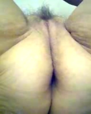 Lick my old pussy !!!