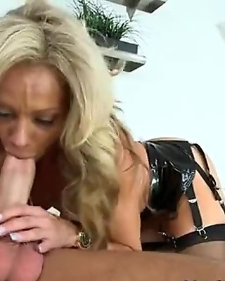 she is a very hot cougar and does the lez thing