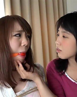 Chinesisch lesbisch bondage