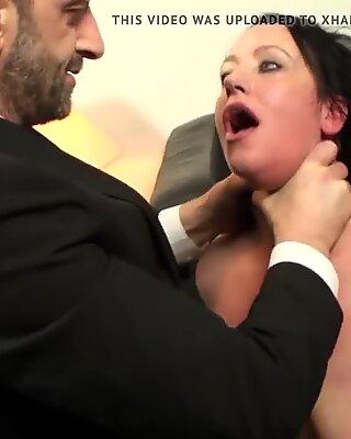 Tattooed Černé Boubelky Tlusté Zadek Mamina Slut dostane její maso otvory plněné