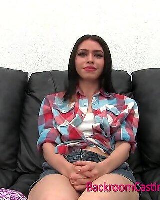 18 година тинејџерке катрина кастинг за интерну ејакулацију