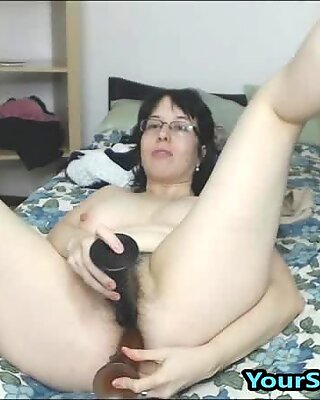Chubby MILF Double Penetrates Hairy Pussy And Ass