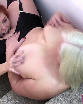 Doc granny toys blindfolded lesbians pussy