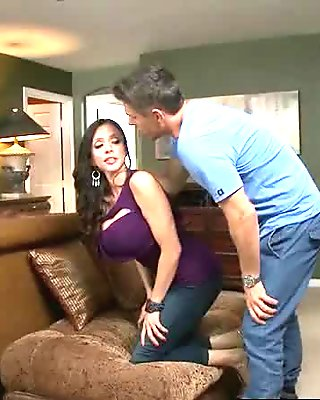 Sex Acrion With Hungry For Big Cock Mature Lady (ariella ferrera) clip-06