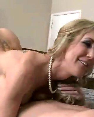 Sex On camera With Big Round Juggs Milf (brandi love) movie-07