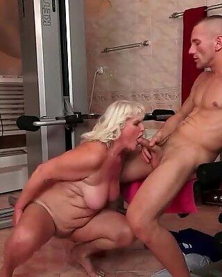 Nenek dan youg lelaki seks mulut bercium dan seks