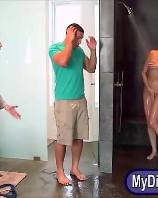 Stepmom Bianca Breeze hot threesome sex in shower room