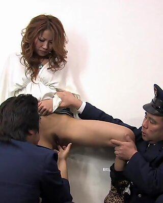 Japanese Lady, Momomi Sawajiri Got Fingered, Uncensored